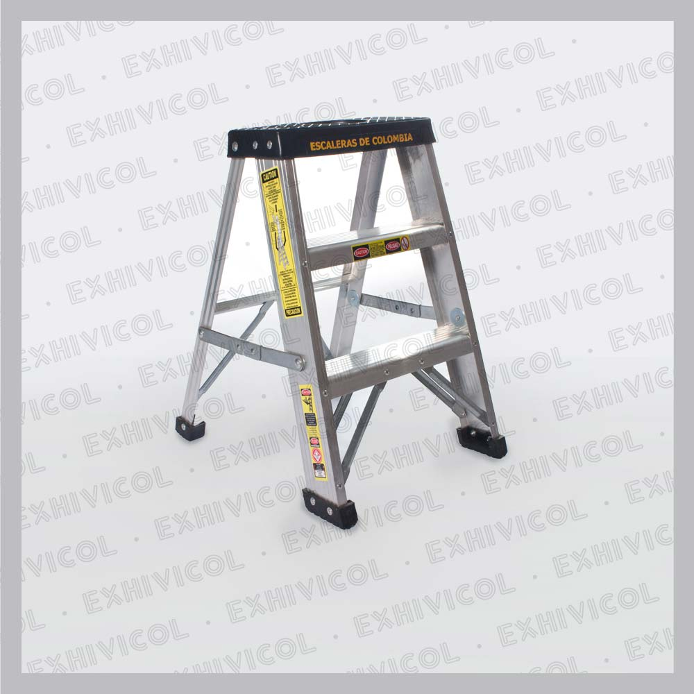 Escalera en aluminio tipo tijera for Tipos de escaleras de aluminio