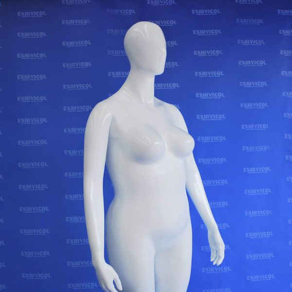 Maniquí dama androide gorda 2