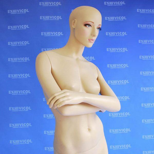 Maniquí dama brazos cruzados E04 maquillada1