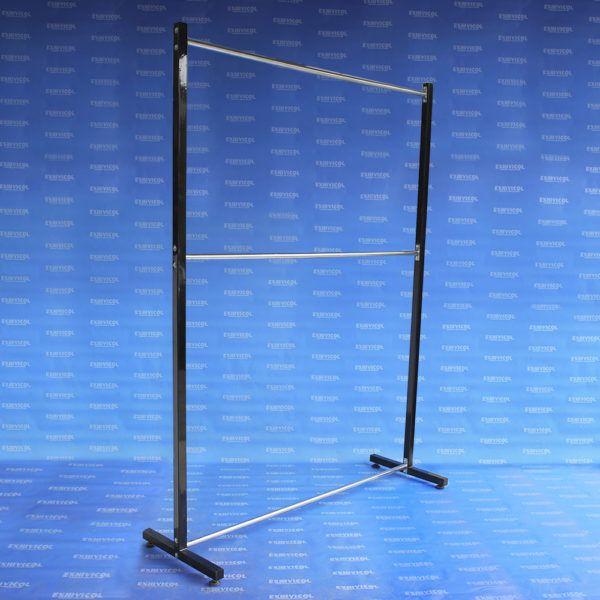 Exhibidor EI 100 tb Cuadrado Estructura Negra y Amarres Cromado