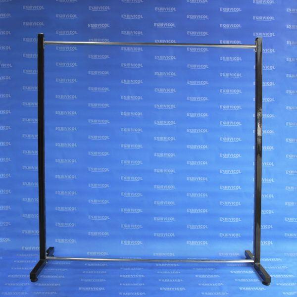 Exhibidor EI 50 tb Cuadrado Estructura Negra y Amarres Cromados
