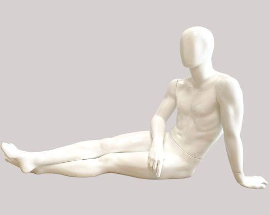 Maniquie Androide Blanco sentado con pose pensadora