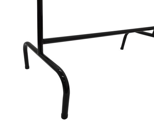 Exhibidor de piso para ropa sencillo cromado con antideslizante de sus patas